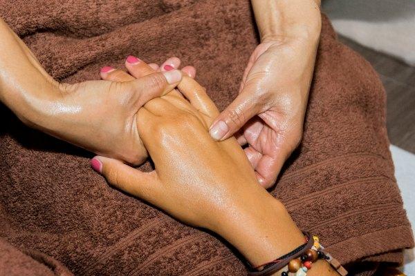 weena-thaimassage-handmassage-1