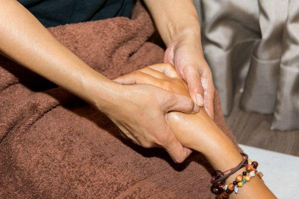 weena-thaimassage-handmassage