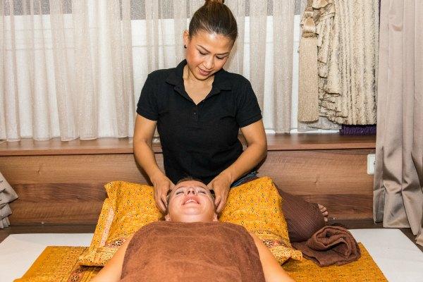 weena-thaimassage-kopfmassage-1